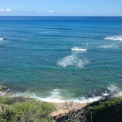 Photo taken at Diamond Head Scenic Point by Hiro Y. on 9/2/2015