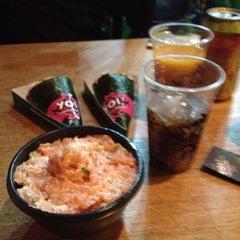 Photo taken at Yoi! Roll's & Temaki by Hugo S. on 11/17/2012