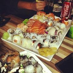 Foto tirada no(a) Hashi Sushi Bar por Bruno H. em 7/18/2013