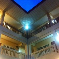 Photo taken at โรงแรมปูนนกันต์ | อ.แม่สอด จ.ตาก by Siwapon L. on 11/3/2013
