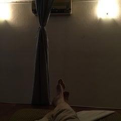 Photo taken at Sabai Thai massage by Jiro Y. on 8/30/2015