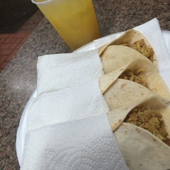 Photo taken at El Cantiflas Taco Place by Jose F. on 8/11/2014