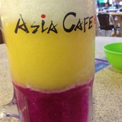 Photo taken at Asia Cafe by Jeremy Lee on 12/17/2012