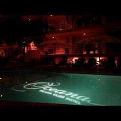Photo taken at Oceana Beach Club Hotel by Scott Ex R. on 11/5/2012