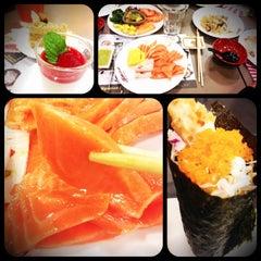 Photo taken at Oishi Buffet (โออิชิ บุฟเฟ่ต์) by 🐝🌸Honey~ B. on 7/31/2013