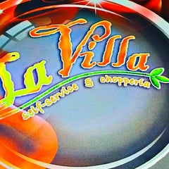 Photo taken at La Villa Chopperia by Fabio R. on 1/18/2013