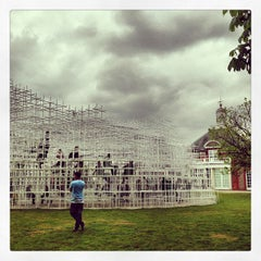 Photo taken at Serpentine Gallery by Paulo B. on 6/10/2013