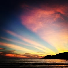 Photo taken at The Beach Natural Resort (เดอะบีช เนเจอรัล รีสอร์ท) by Nut A. on 5/3/2013