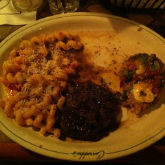 Photo taken at Carrabba's Italian Grill by Marcus M. on 8/27/2013