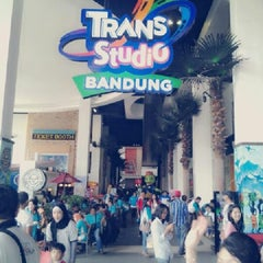 Photo taken at Trans Studio Bandung by Ronny K. on 1/19/2013