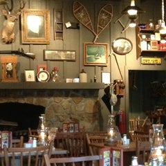 Photo taken at Cracker Barrel Old Country Store by Lee C. on 4/10/2013