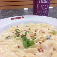 Photo taken at Spoleto Culinária Italiana by Julia V. on 12/18/2014