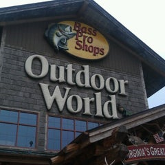 Photo taken at Bass Pro Shops by Curtis L. on 10/1/2012