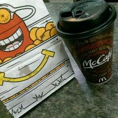 Photo taken at McDonald's by yasnori o. on 5/18/2015