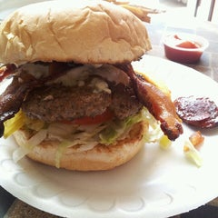Photo taken at Hubcap Grill by edith c. on 4/1/2013
