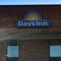 Photo taken at Days Inn Farmville by Tammy H. on 3/8/2013