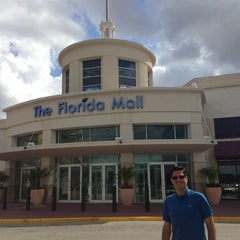 Photo taken at The Florida Mall by Carlos Edmur L. on 4/10/2013