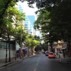 Photo taken at ถนนคอนแวนต์ (Convent Road) by takakoji on 4/28/2013