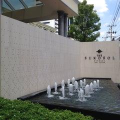Photo taken at The Sukosol (โรงแรม เดอะ สุโกศล) by takakoji on 5/2/2013