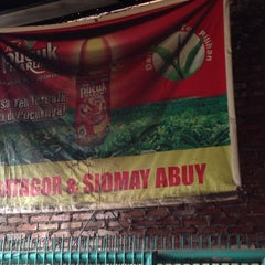 Photo taken at Batagor Abuy by Adek O. on 8/2/2014