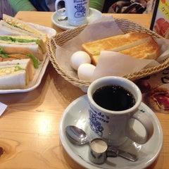 Photo taken at コメダ珈琲店 金剛東店 by Naoki M. on 2/1/2014