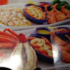 Photo taken at Red Lobster by Jason T. on 5/5/2013