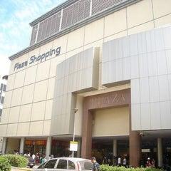 Photo taken at Plaza Shopping by Rodolfo G. on 11/13/2012