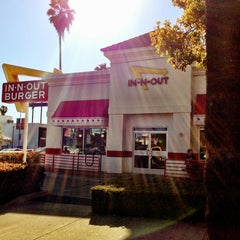 Photo taken at In-N-Out Burger by Amer S. on 3/10/2013