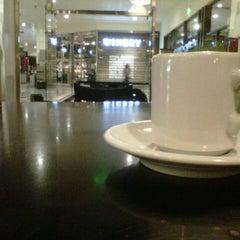 Photo taken at Starbucks by Marcelo M. on 9/29/2012