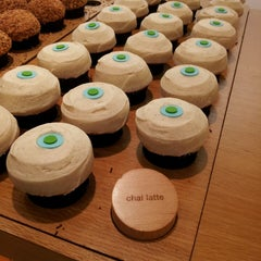 Photo taken at Sprinkles Cupcakes by Joyce P. on 3/30/2013