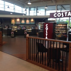 Photo taken at Costa Coffee by LifeAndStyleUK on 6/11/2014