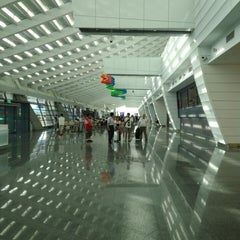Photo taken at 臺灣桃園國際機場 Taiwan Taoyuan International Airport (TPE) by 興成 丘. on 8/28/2013
