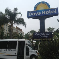 Photo taken at Days Hotel San Diego Hotel Circle/ Near SeaWorld by Emiko T. on 7/20/2013