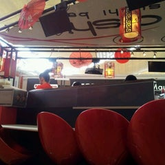 Photo taken at Oichi Sushi by Felipe G. on 10/10/2011