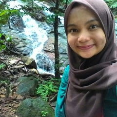 Photo taken at Waterfall, Forest Research Institute of Malaysia by Ain N. on 6/14/2015