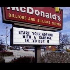 Photo taken at McDonald's by Fernando .. on 10/21/2012
