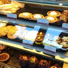 Photo taken at The Bakery at Sullivan University by Josh B. on 9/27/2014