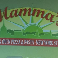 Photo taken at Mamma's Brick Oven Pizza by Sergio A. on 6/25/2013