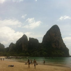 Photo taken at อ่าวไร่เลย์ ตะวันตก (Railay Beach West) by Irina R. on 10/21/2012