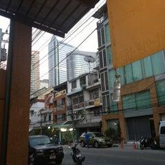 Photo taken at WE Bangkok Hostel by Ivan I. on 1/26/2013