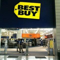 Photo taken at Best Buy by Francisco M. on 9/26/2012