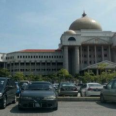 Photo taken at Kompleks Mahkamah Kuala Lumpur (Courts Complex) by Syazana Z. on 4/9/2015