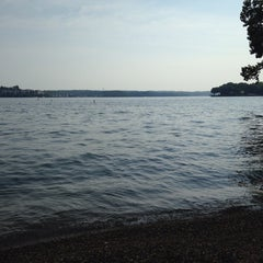 Photo taken at Lakeview Resort - Lake of the Ozarks by Roger R. on 8/3/2014