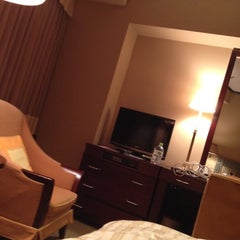 Photo taken at オークラ アクトシティホテル浜松 (Okura Act City Hotel Hamamatsu) by Junior B. on 12/8/2012