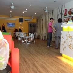 Photo taken at Lohas Tea Shop (Bubble Milk Tea) by Irene C. on 6/13/2015