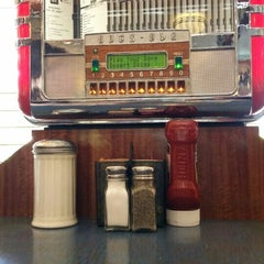 Photo taken at On Parade Diner by Alexay C. on 6/7/2015