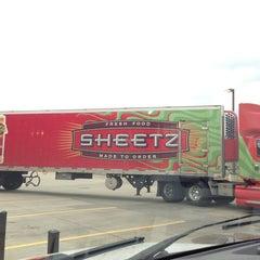 Photo taken at SHEETZ by Gaylan F. on 2/11/2013