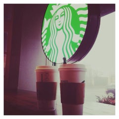 Photo taken at Starbucks by Gökçe on 12/24/2014