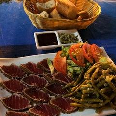 Photo taken at Le Velvet Restaurant by Lumar G. on 3/17/2014