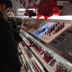 Photo taken at Sephora by Lea G. on 12/16/2013